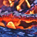 Tiempo de barbacoas, ¿leña, carbón o gas?