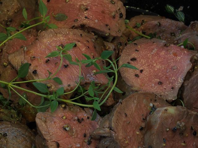 Roast beef cortado y aliñado en frío