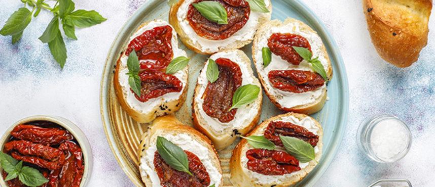 Aperitivos rápidos de queso. Ideas para una merendola, picnic o cena informal