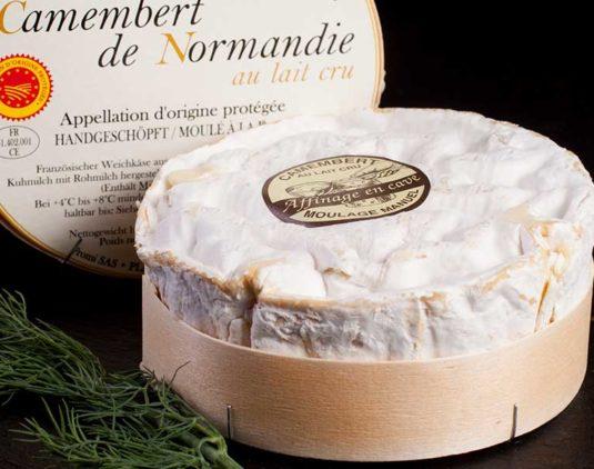 Queso Camembert de leche cruda D.O.