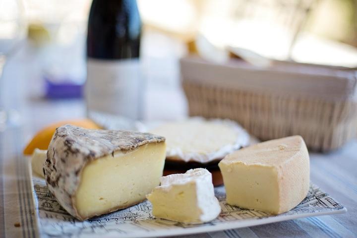con moho - se puede comer la corteza del queso